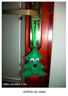 Enfeite árvore de natal em feltro - pinheirinho com rosto
