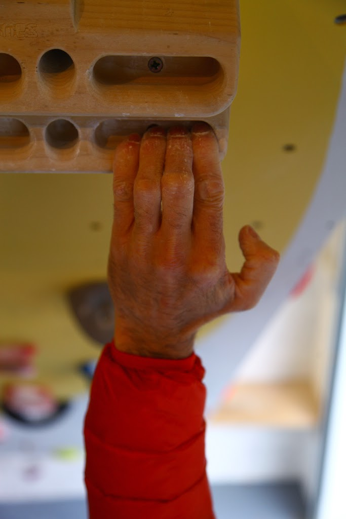 how to become a climbing coach