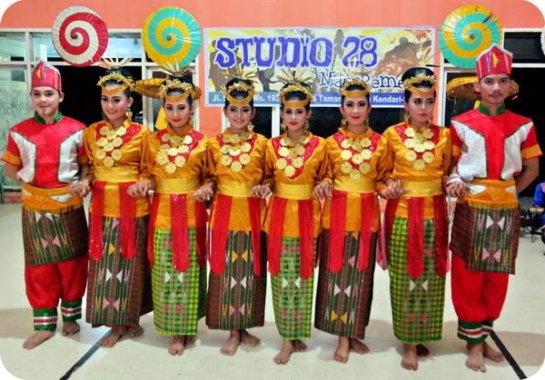 Tari Lulo Suku Tolaki Sulawesi Tenggara
