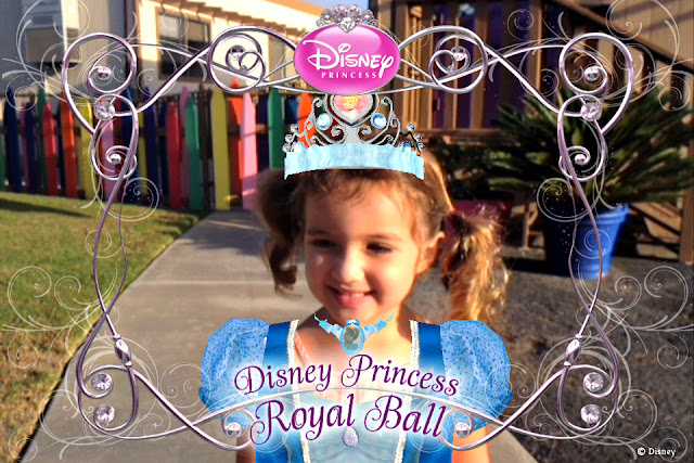 Using the Disney Princess Royal Ball Augmented Reality App to take pictures #DisneyPrincessWMT