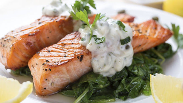 Interesting Nutrition Facts About Fish and Some Recipe Ideas ! Salmon-basil%2Bsauce