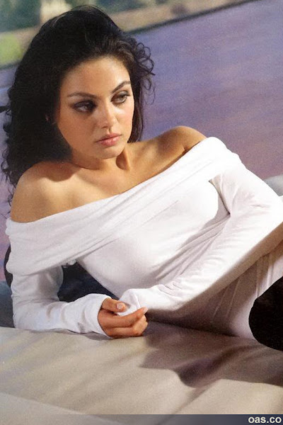 Mila Kunis_iphone_4_wallpapers