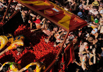 Tomatina Festival 2011 in Bunol, Spain Seen On www.coolpicturegallery.us