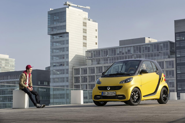 2013 Smart Fortwo Cityflame Front Angle