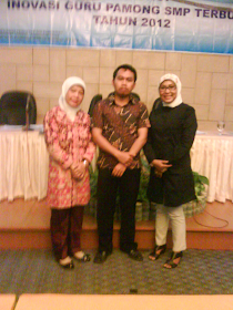 B. Edy Warsih dan B. Mahanik dalam Workshop guru pamong SMP Terbuka di Inna Simpang Surabaya