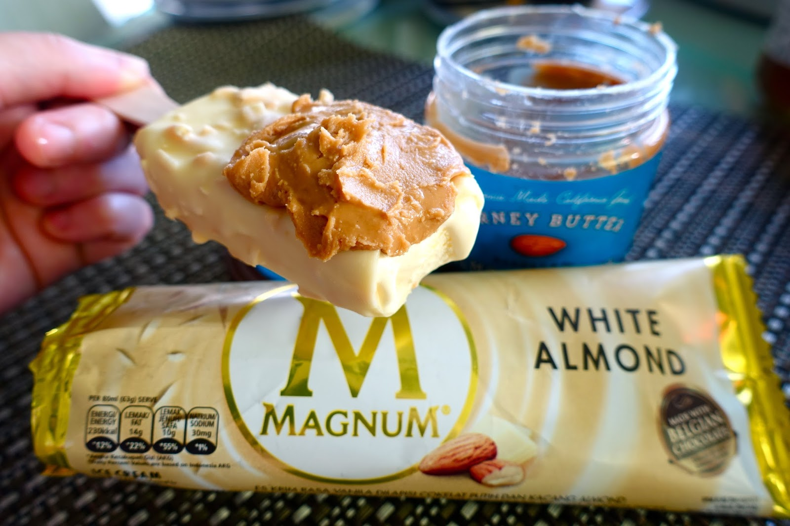 Everything Everything Mom >> jin loves to eat: Magnum White Almond Pairing