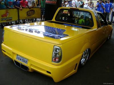 carro muito tunado saveiro