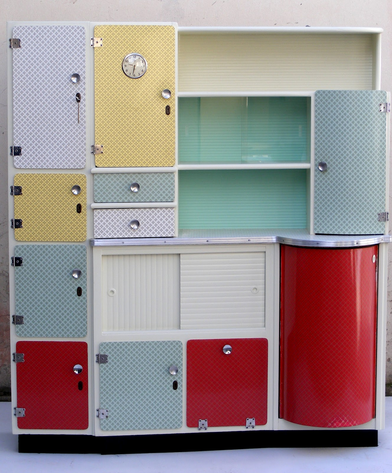 Retro Kitchen Dresser