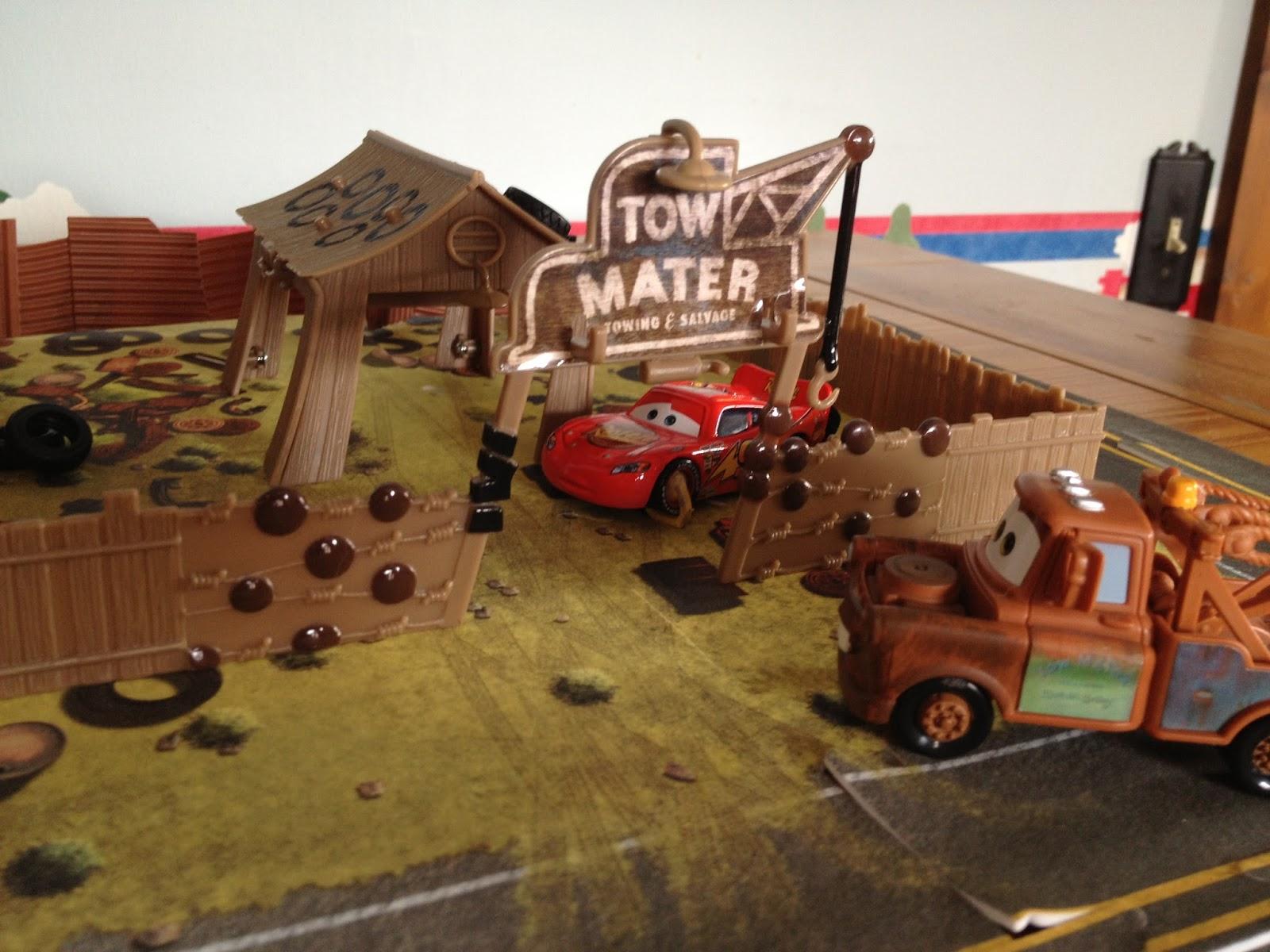 Dan the Pixar Fan: Cars: Mater\'s Junkyard Playset