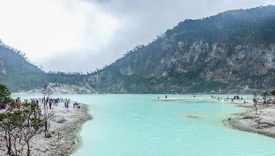 gambar tempat wisata Bandung kawah putih