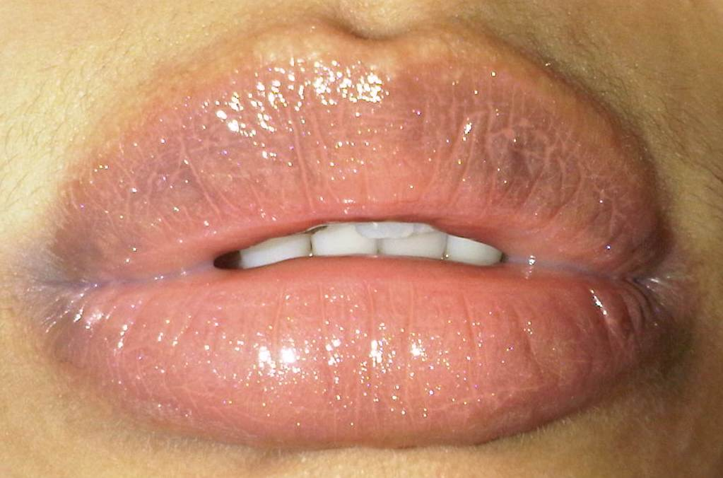 Racun Warna Warni My Fave Nude Lip Gloss Revlon Super