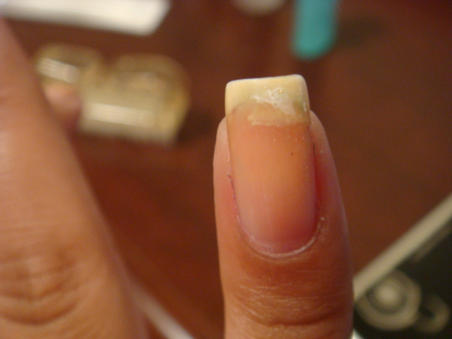 The Lacquer Room: Tutorial: How to fix a broken nail