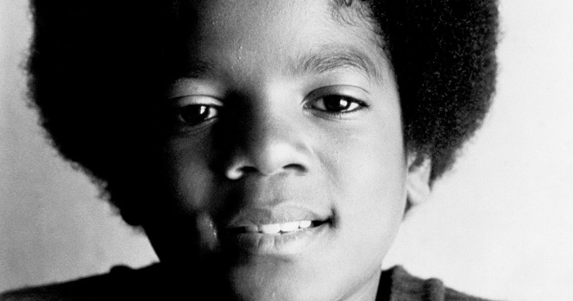 english biography michael jackson The videocassette of the documentary the making of michael jackson's thriller sold over 350,000 copies in a few months  he thanked the dignitaries in french and english, signed official documents formalizing his kingship, and sat on a golden throne while presiding over ceremonial dances.