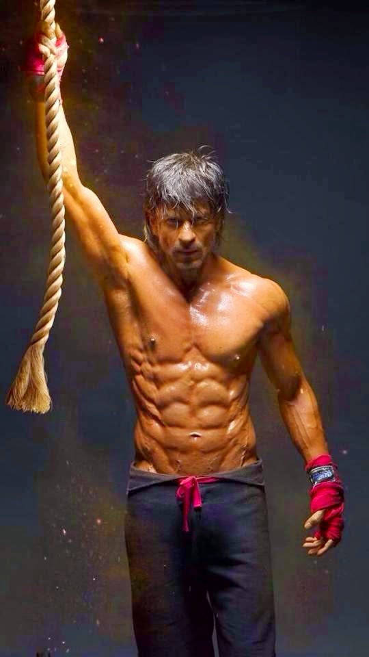 Shahruk Khan Latest 8 Pack Photos