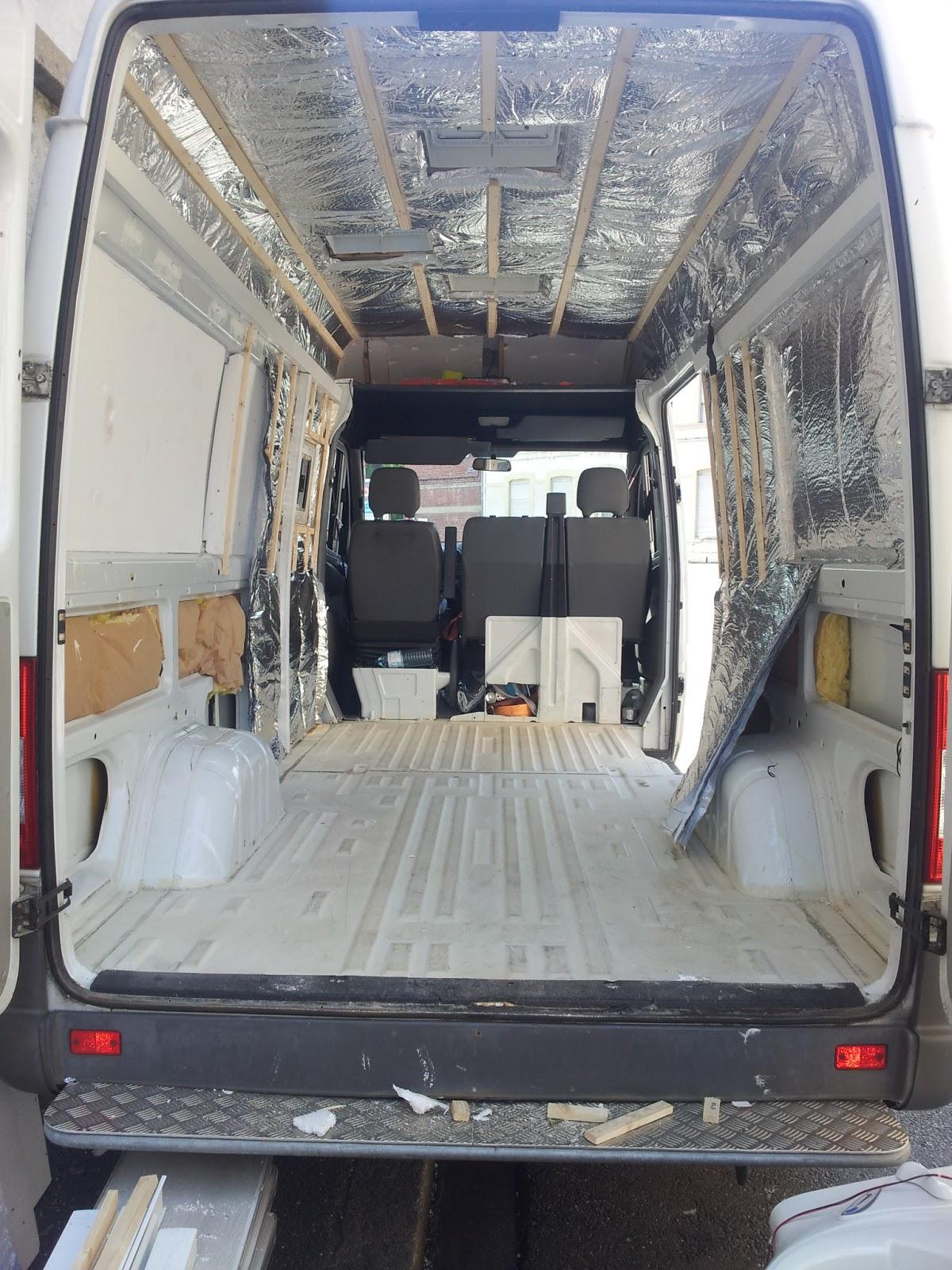 am nagement d 39 un sprinter en camping car isolation de la partie haute des c t s. Black Bedroom Furniture Sets. Home Design Ideas