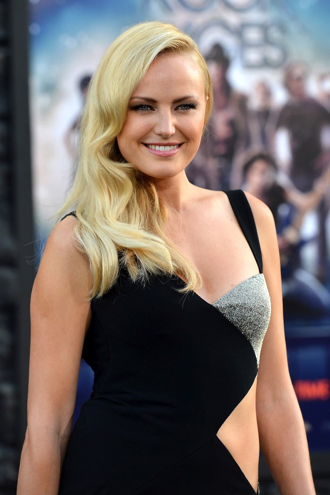 The Red Carpet: Malin Akerman in a Sexy, High Slit Dress ... малин акерман