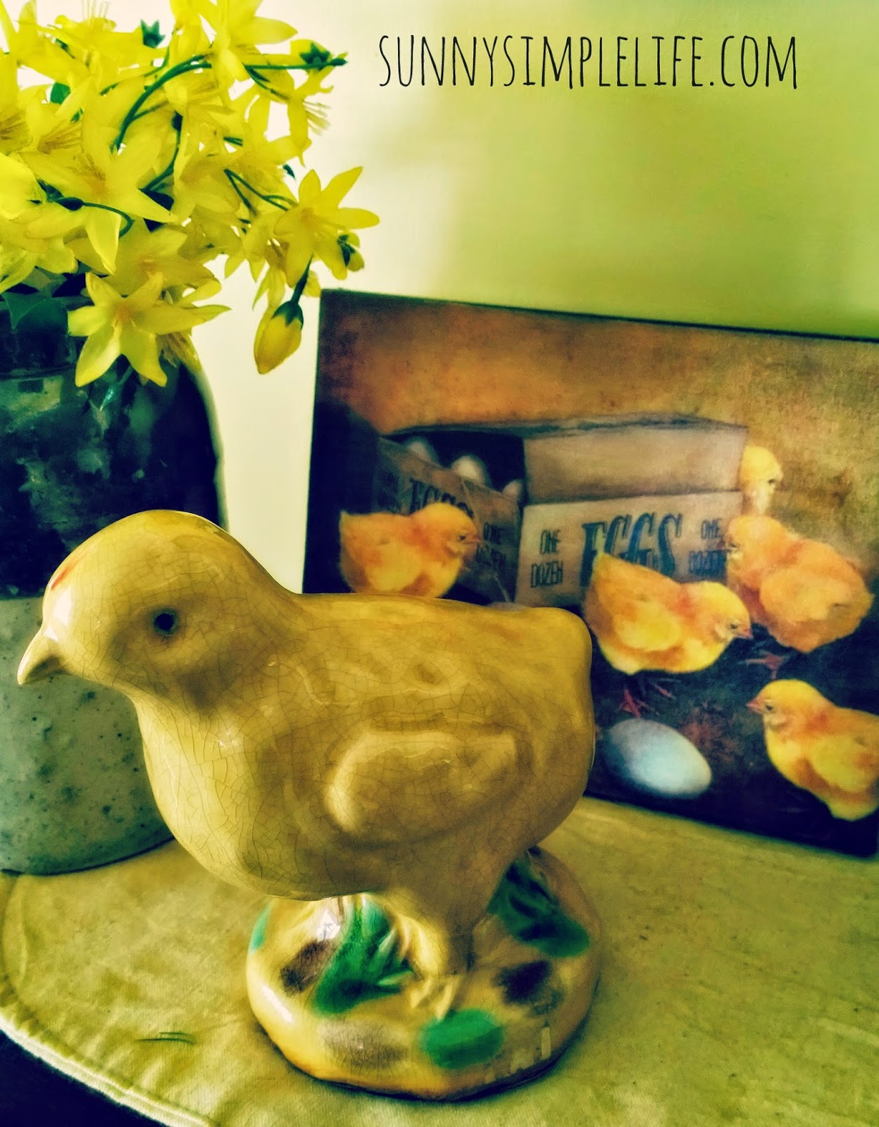 farmhouse Easter decor, chicks and eggs