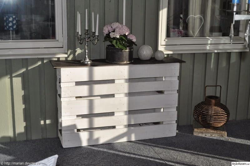 Mostrador o mesa expositora con 2 palets - Mostrador de palets ...