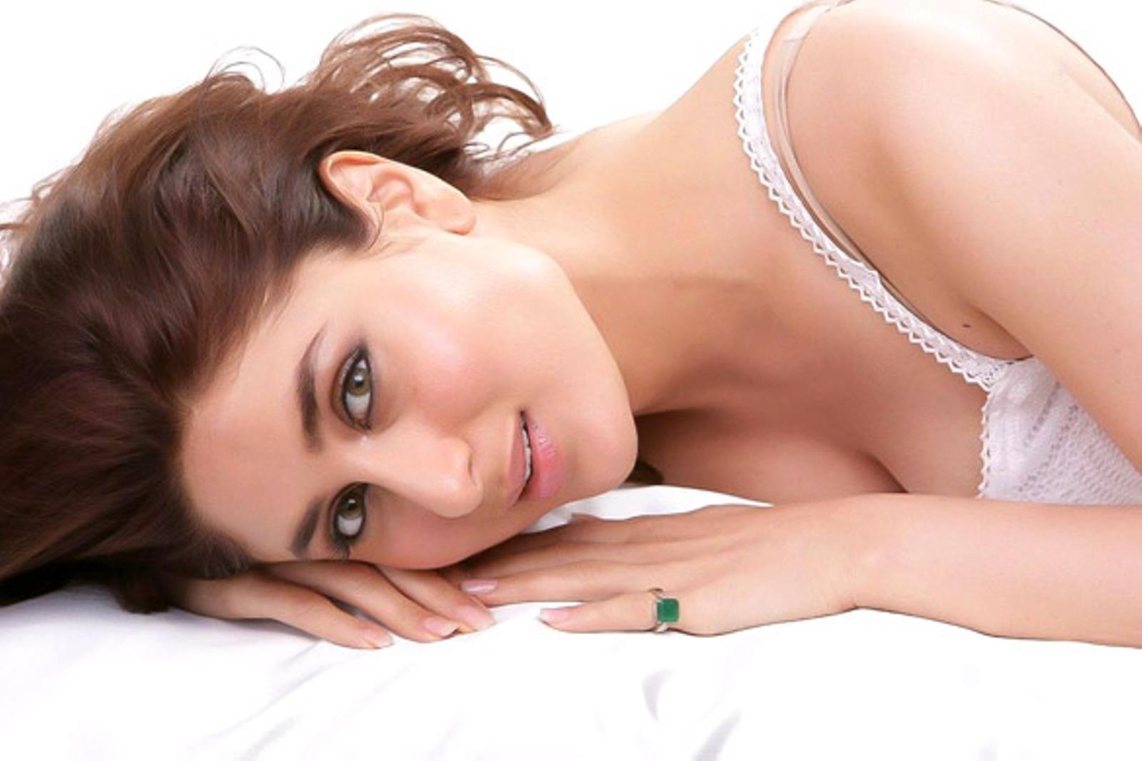 Naked Kareena Kapoor Photo