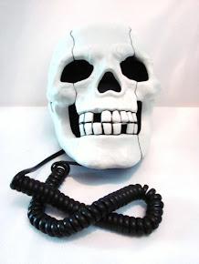 Teléfono Calavera