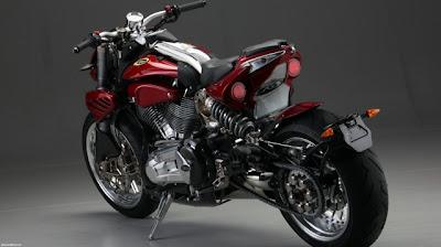 Moto monstro Duu Alegher CR & S no EICMA em Milão