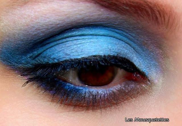 Makeup bleu - Les Mousquetettes©