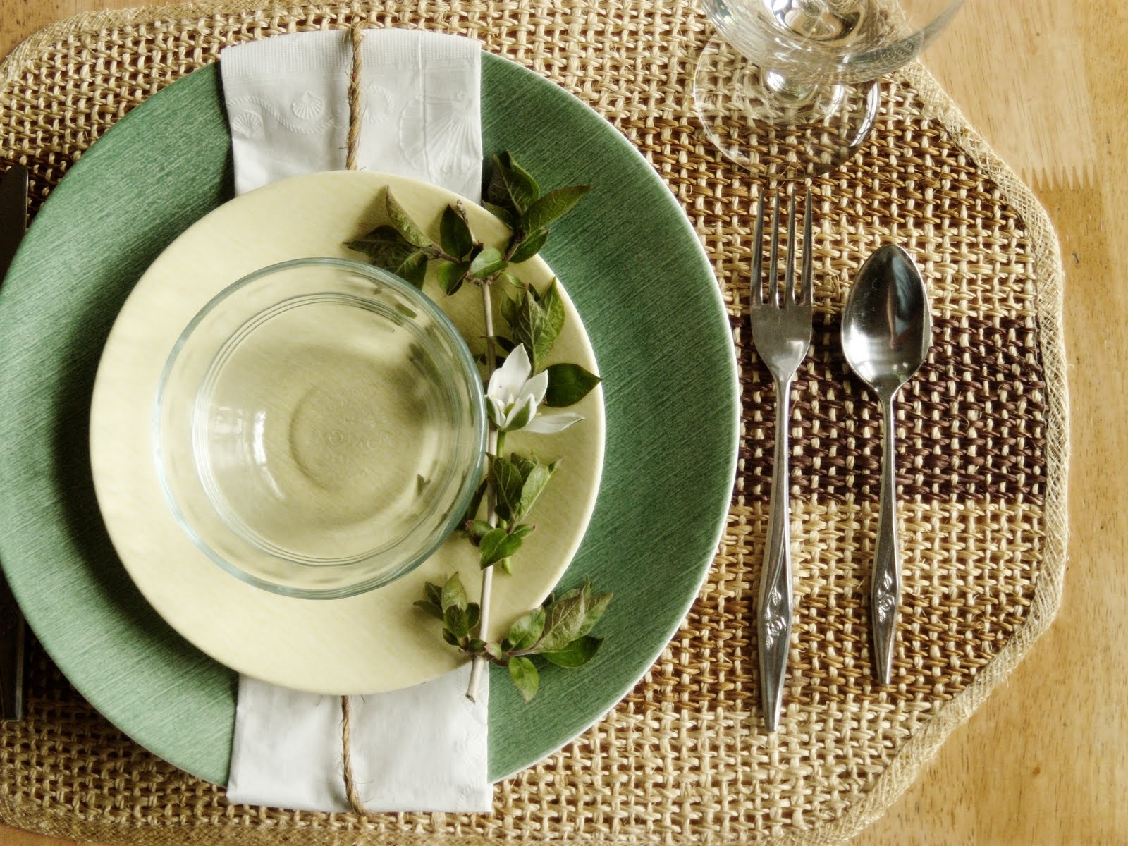 & Down on Sanford: Spring Table Setting