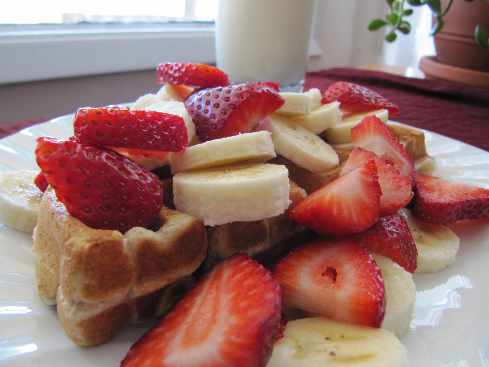 VIMWAC: Hardly-No-Waffle Strawberry-Banana Waffles!