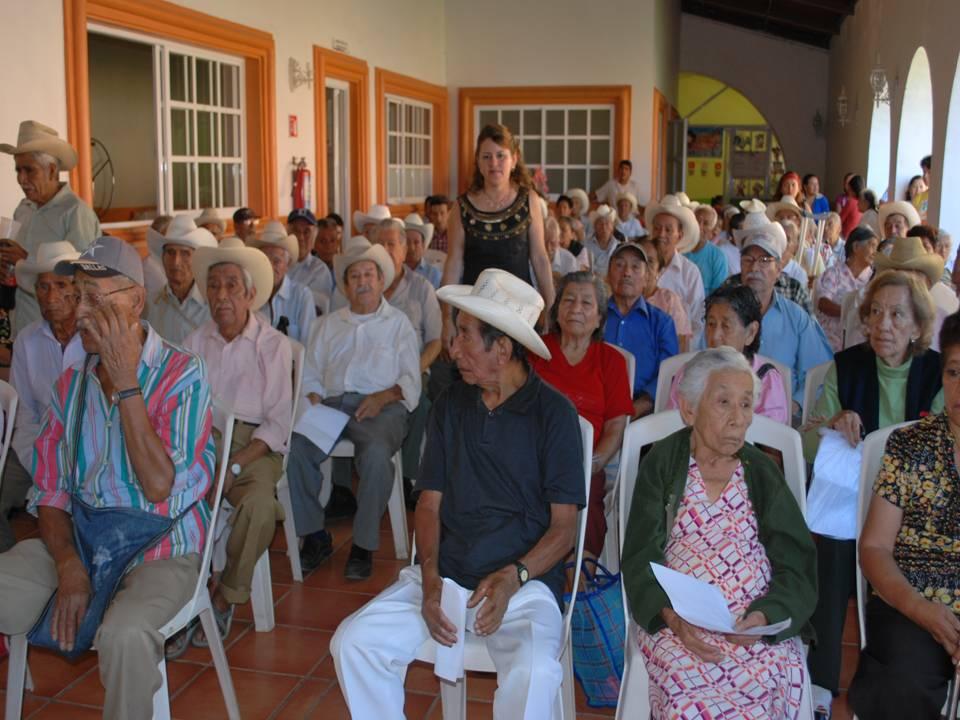 Apoyo vitalicio a viejitos del asilo de ancianos for Asilos para ancianos