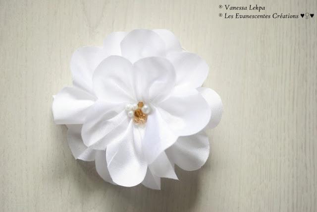 mariage fleurs createur fait main accessoire cheveux blanc taffetas de soie vanesas lekpa