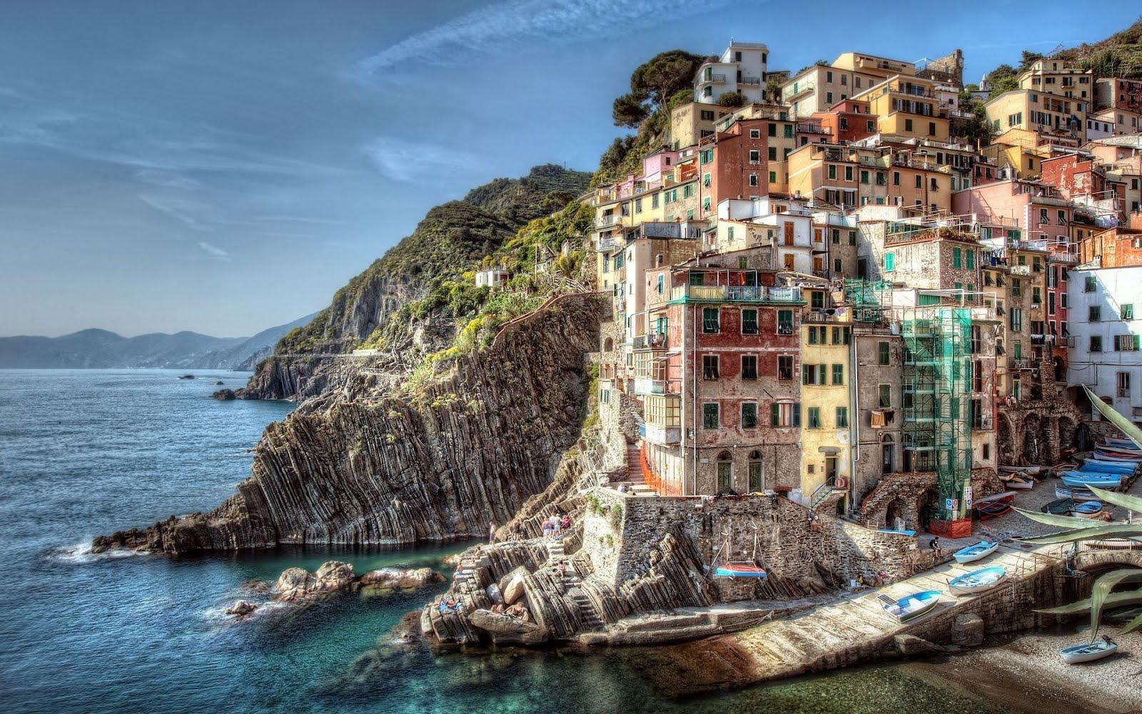 Fotografía de Riomaggiore, Italia en HDR (Wallpaper de 1920x1200)