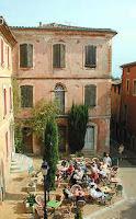 Déjeuner à Roussillon lors d'une excursion à partir de la maison à louer à Gordes