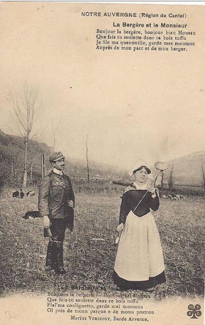 CPA bergère du Cantal