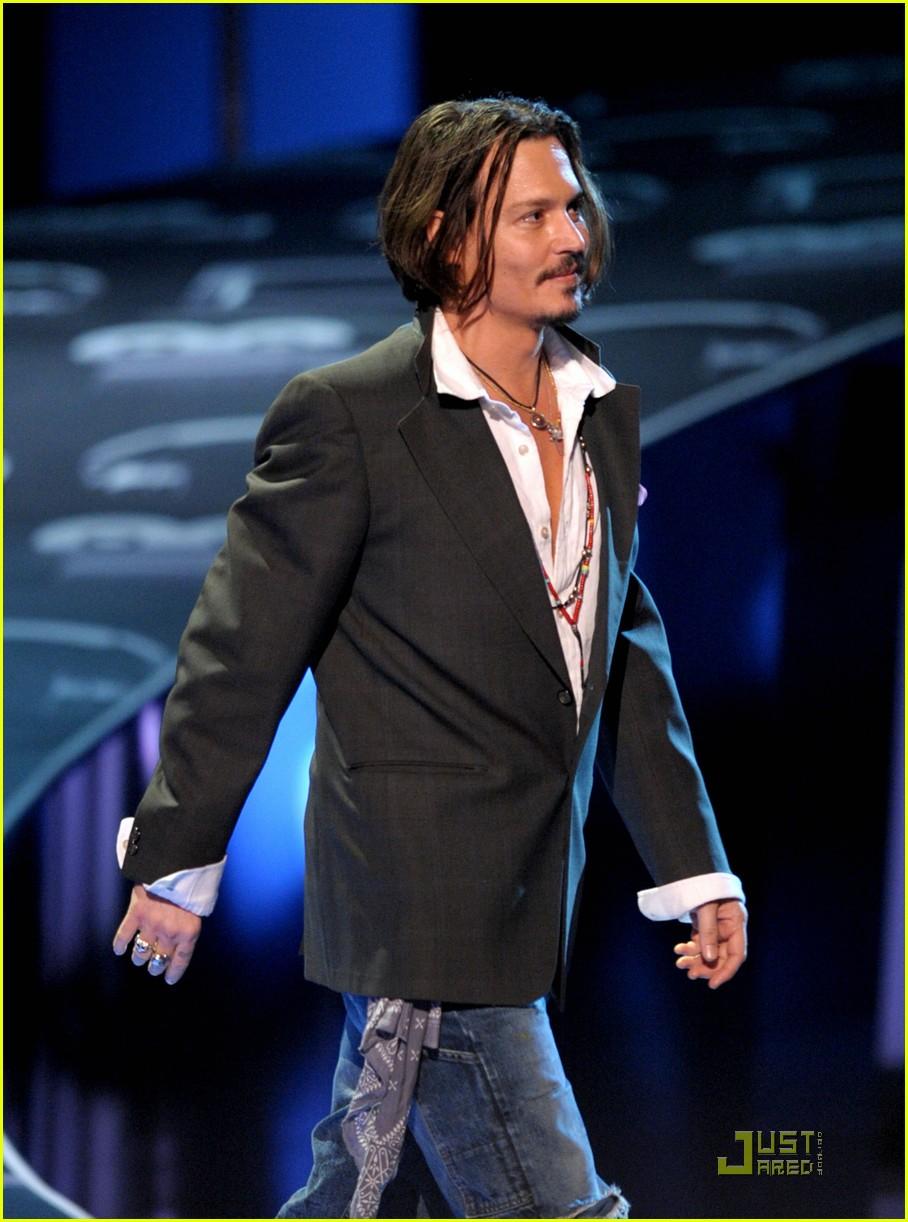 hairstyles for men: Johnny Depp - 207.7KB
