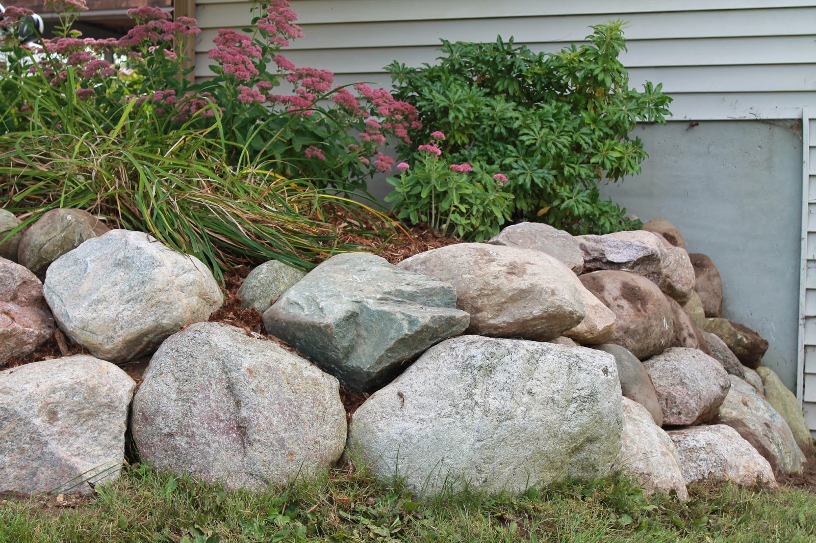 Landscape Design Guru How To Build Dry Stacked Natural Stone