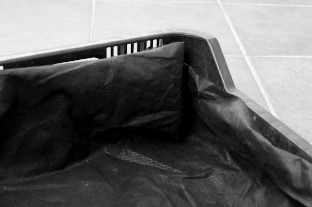 cajón con tela antihierbas