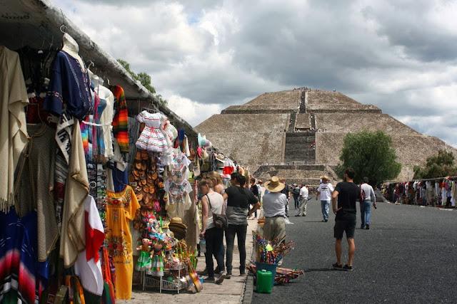 teotihuacan piramide del sol ruins