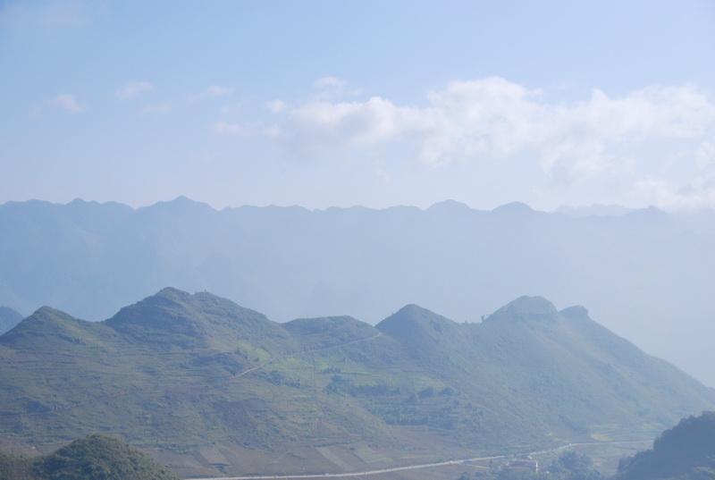 Chiêm ngưỡng thắng cảnh Núi Đôi ở Quản Bạ, Hà Giang