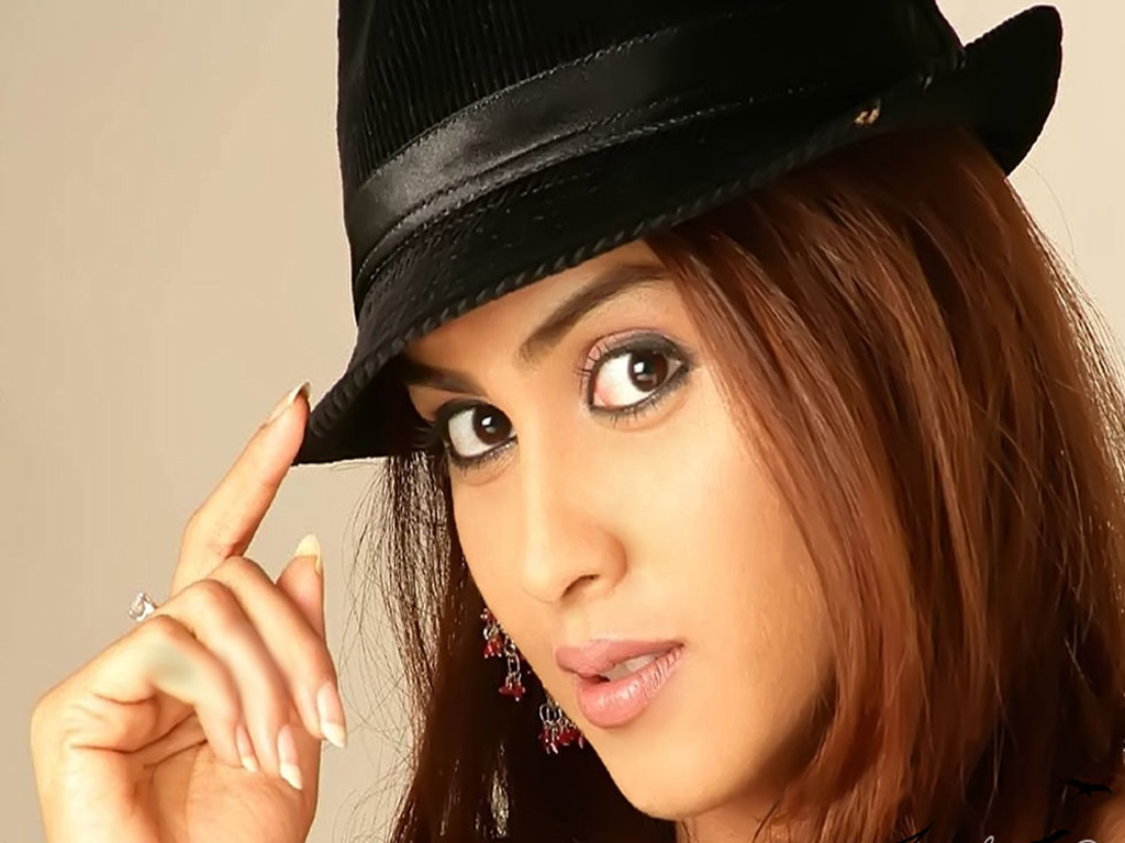 Genelia Dsouza HD Wallpapers Free Download