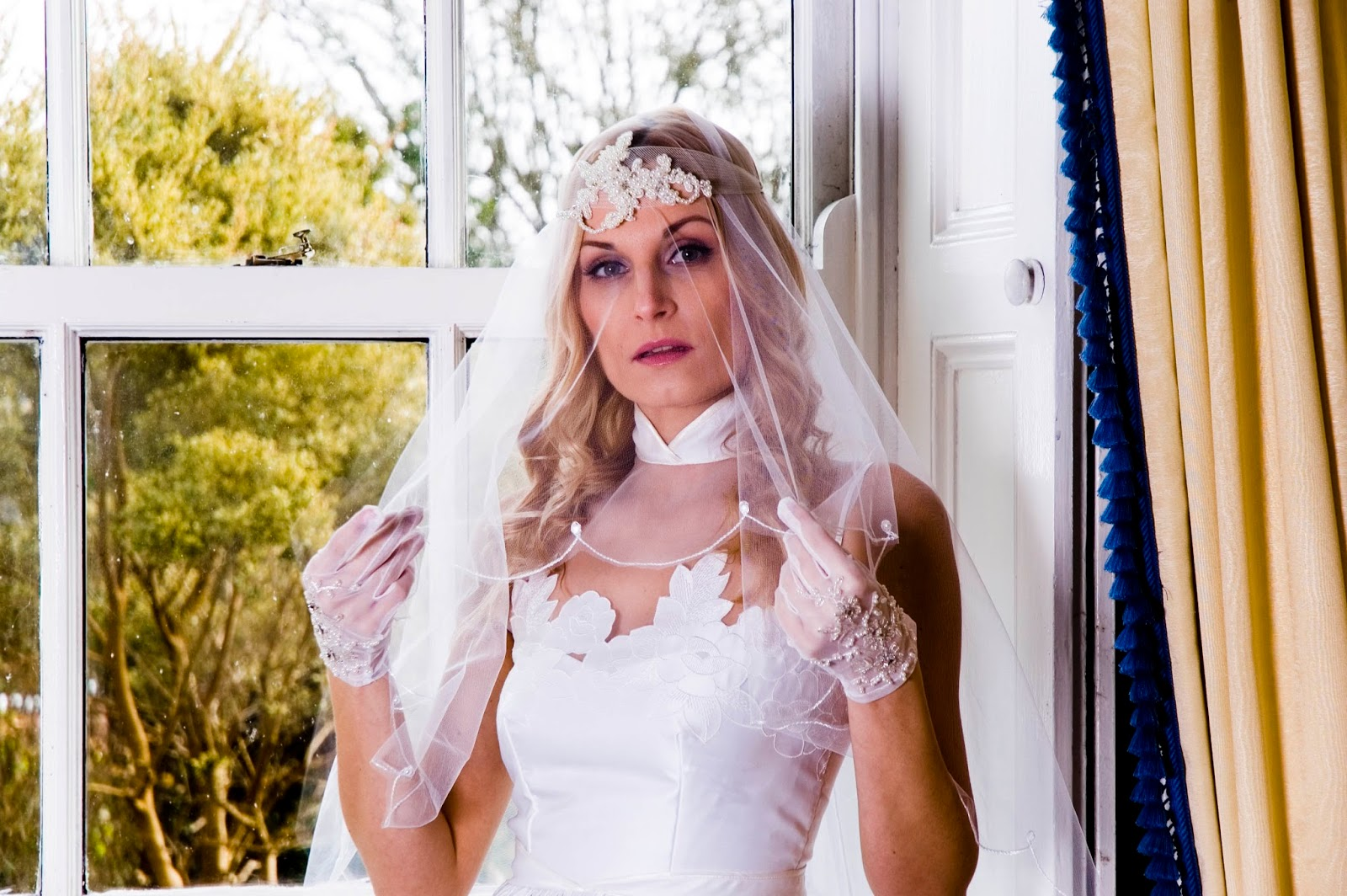 Modern dress advantages - The Advantages Of Buying A Vintage Wedding Dress