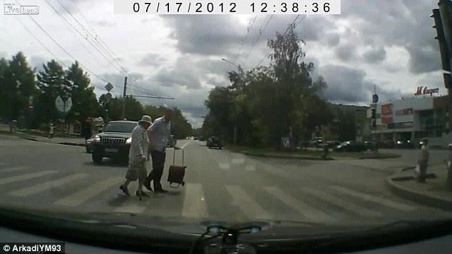 Buenas acciones grabadas por cámaras de vídeo de los coches