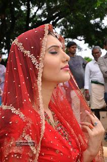 Ishta-Sakhi-Heroine-Anu-Smriti-Stills