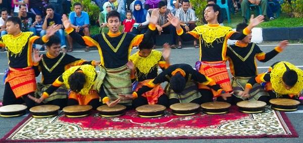 Tari Rapai Geleng Aceh
