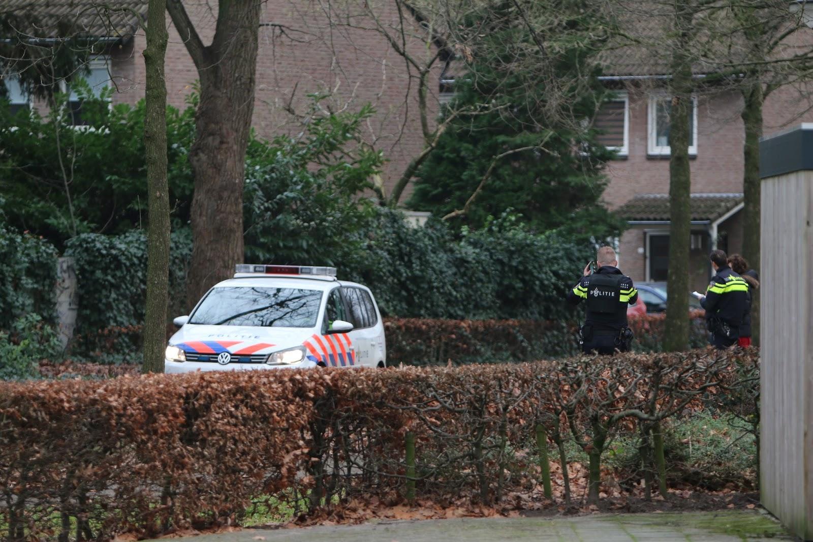 Politie zet gebied Kromstraat af na mogelijke schietpartij ...   1600 x 1066 jpeg 356kB