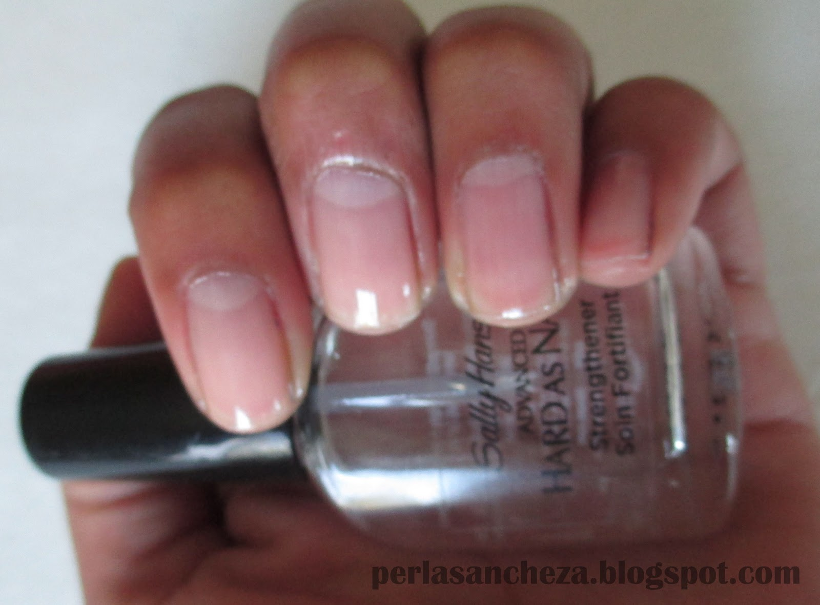 Perla Sancheza: Sally Hansen Advanced Hard as Nails Strengthener