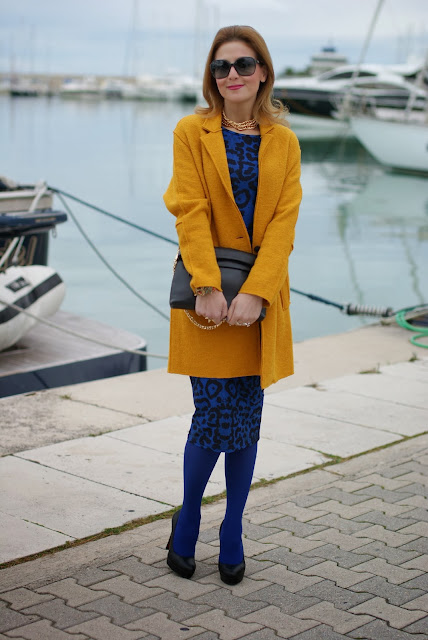 yellow coat, glamorous dress, Bankfashion.co.uk dress, animal print bodycon dress, Fashion and Cookies, fashion blogger