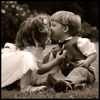 cute-babies-kissing