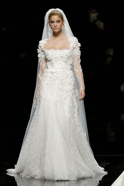 baju pengantin putih ekor panjang