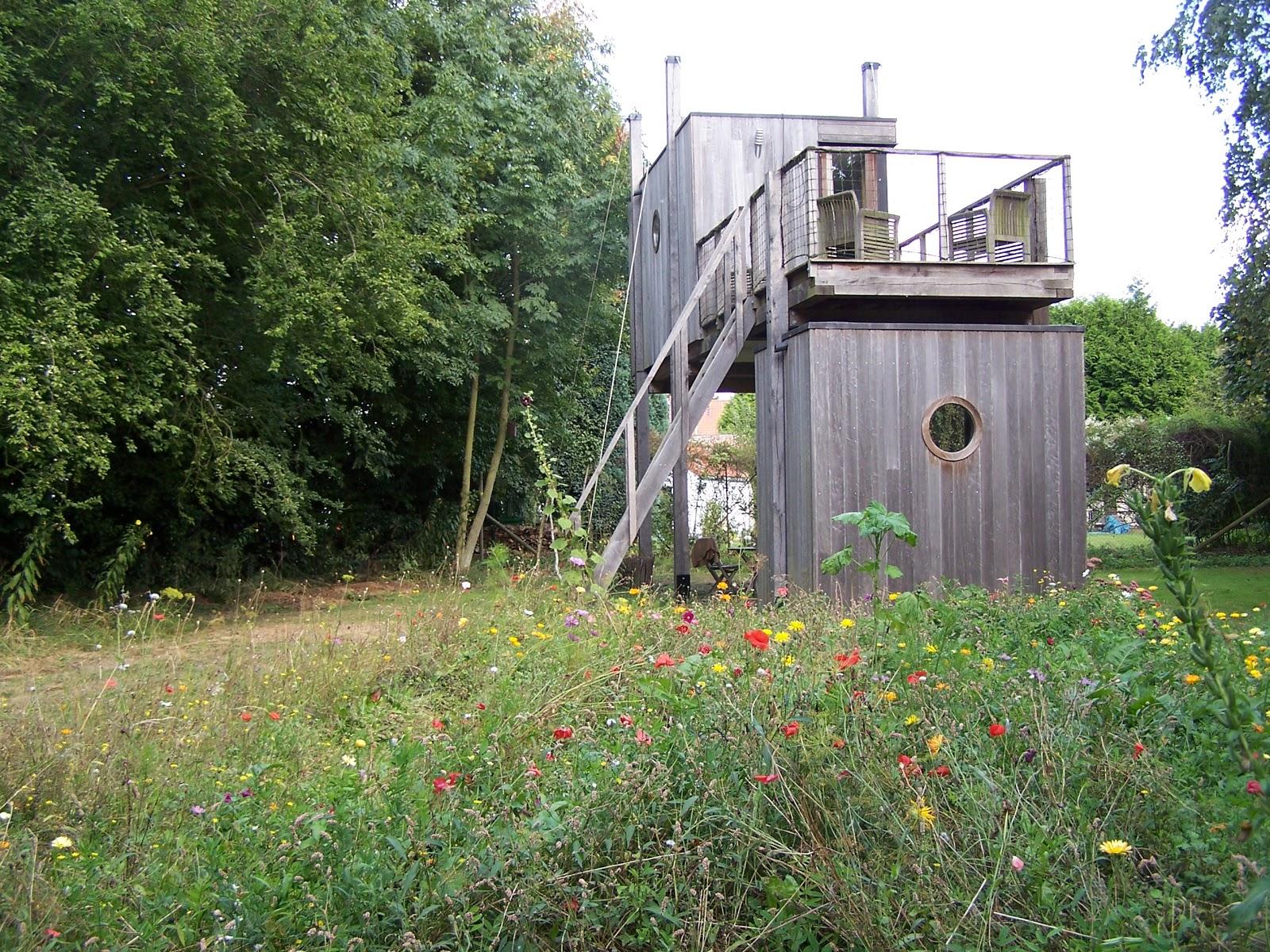 Un bureau dans le jardin