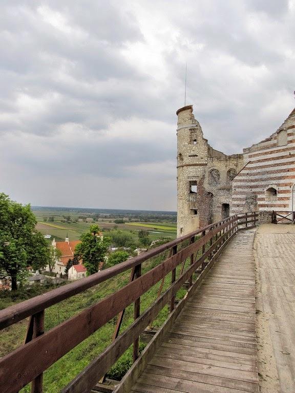 Ruiny zamku Firlejów w Janowcu